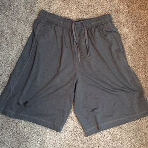 Men's Under Armour Loose Athletic Shorts
